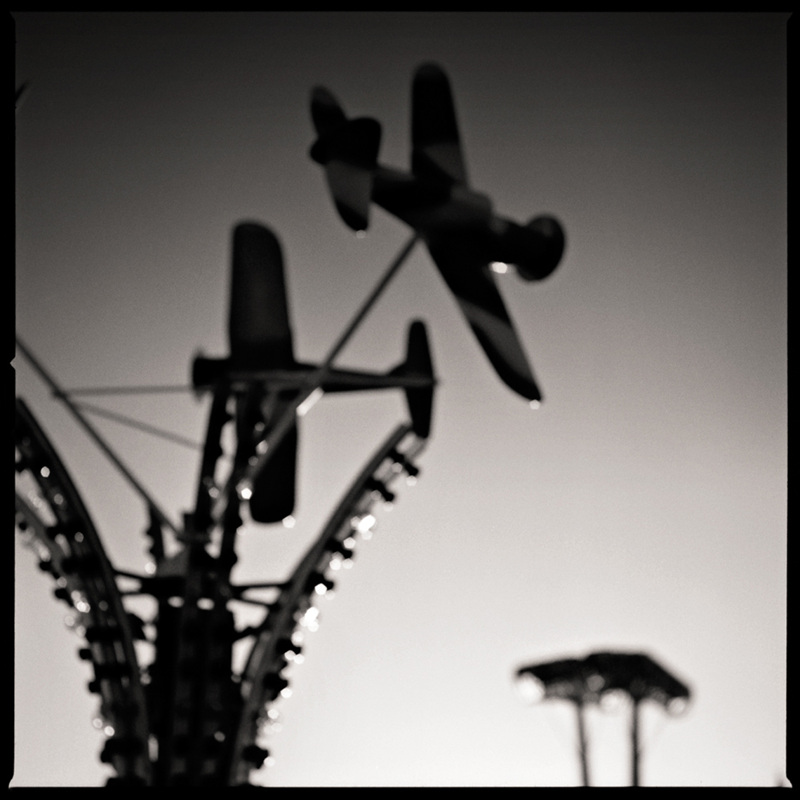Sean Perry Photographs • Airshow, from the series Fairgrounds
