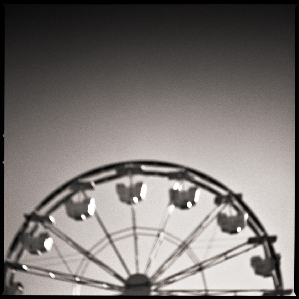Sean Perry Photographs • Spin, from the series Fairgrounds