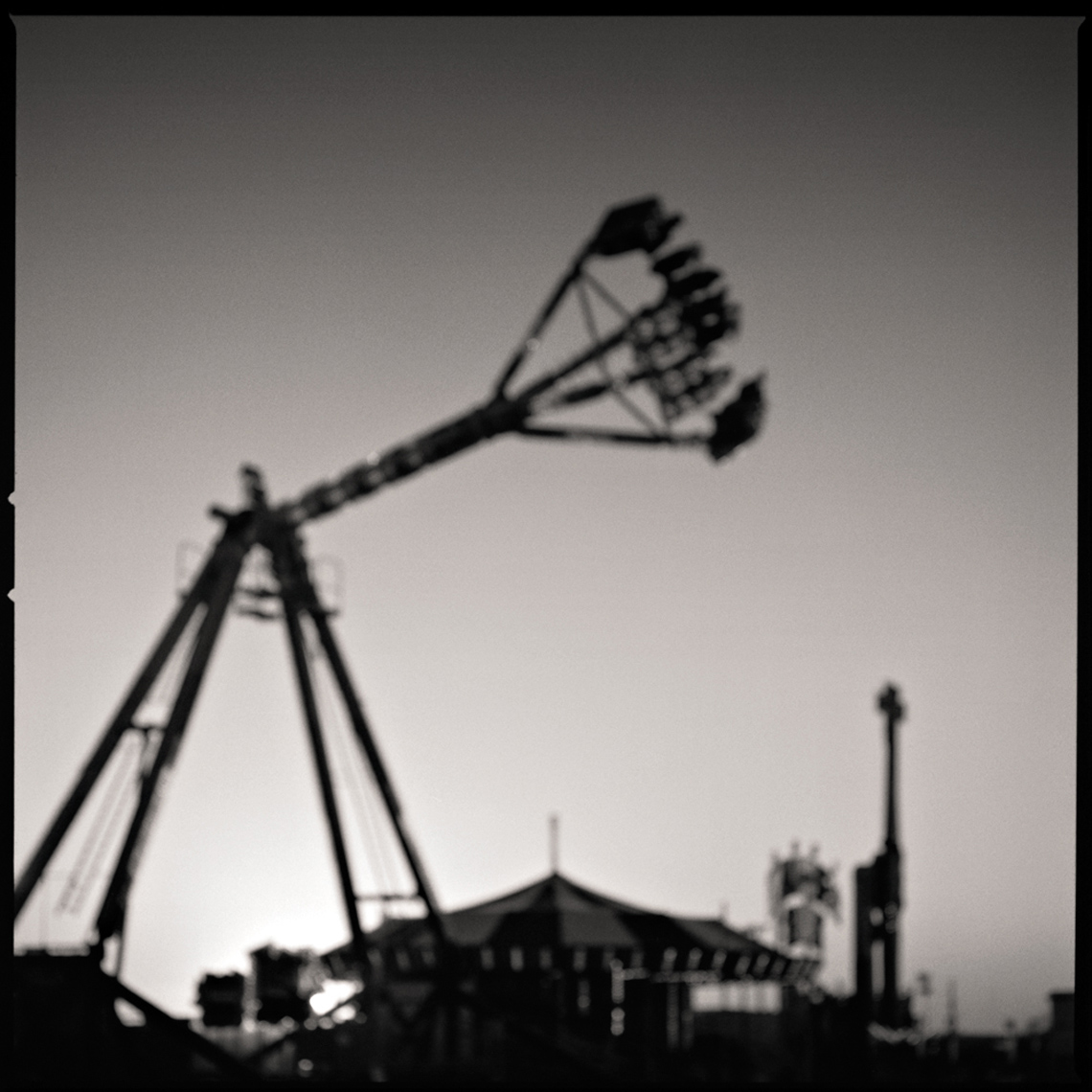 Sean Perry Photographs • Erector Set, from the series Fairgrounds