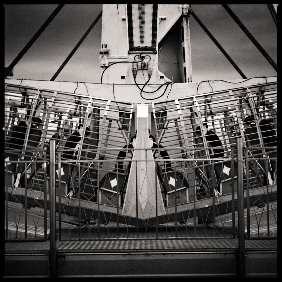 Sean Perry Photographs • The Time Machine, from the series Fairgrounds