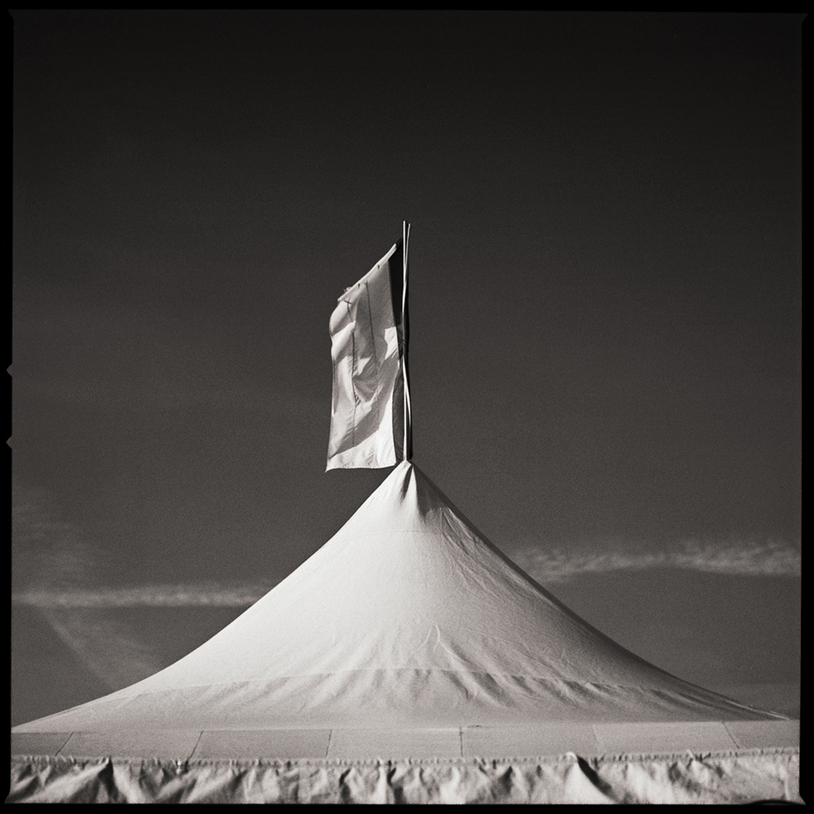 Sean Perry Photographs • Truce, from the series Fairgrounds