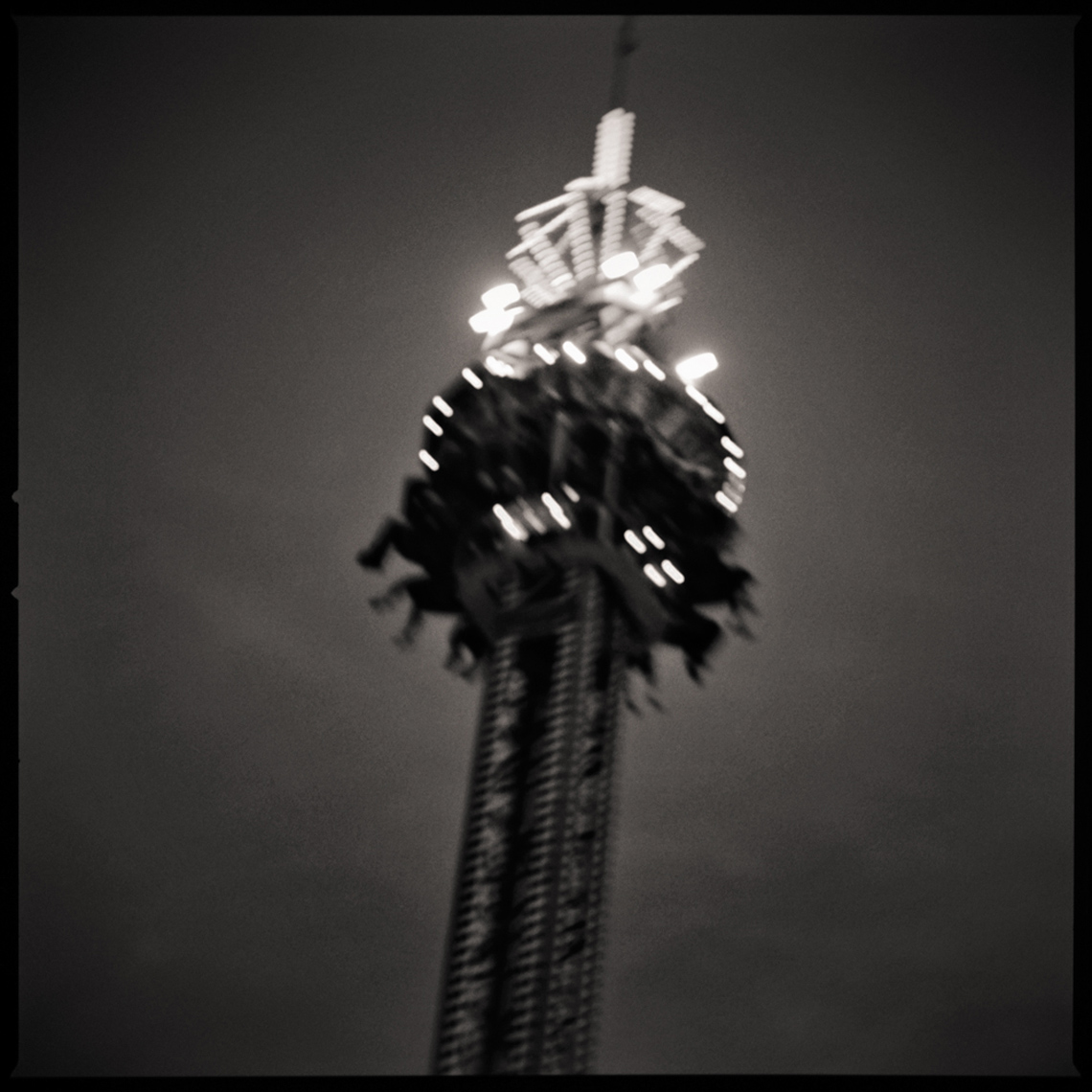 Sean Perry Photographs • From Earth to the Moon, from the series Fairgrounds